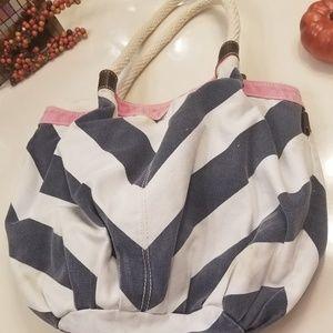 🍁American Eagle hand bag